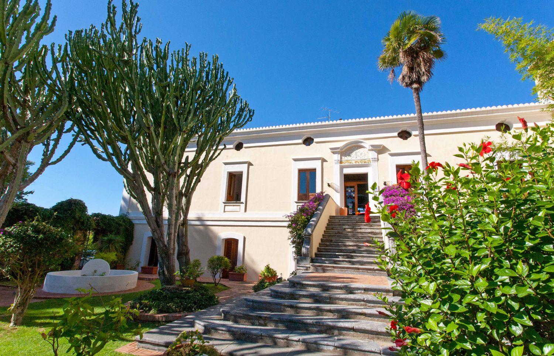 Casa Club - Hotel in Diamante in Kalabrien